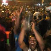 Scènes de joie à Douala après la victoire du Cameroun