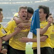 Dortmund file vers le doublé