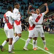 Copa América : le Pérou surprend le Chili et défiera le Brésil en finale