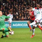Lyon se débarrasse de Guingamp et file en quarts
