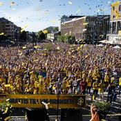 Escorte militaire, foule en délire…le retour triomphal des Suédoises après le Mondial
