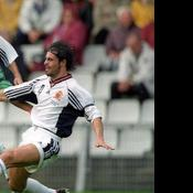 13 juin 1998 : le Nigeria fait sensation mais la France pleure Eric Tabarly