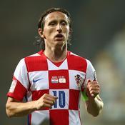 Joueur le plus capé de la Croatie, Modric fond en larmes après son record