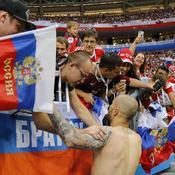 Fyodor Kudryashov célèbre la victoire russe avec ses supporters