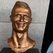 Le sculpteur du buste raté de Ronaldo a retenté sa chance et c'est mieux réussi