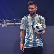 Mondial 2018 : Messi présente le ballon officiel