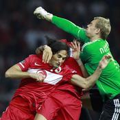 Allemagne-Turquie Neuer devant Turcs