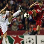 Liverpool Debrecen Steven Gerrard Marcell Fodor