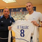 L-AJA-signe-Le-Tallec