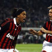 Ronaldinho a inscrit le but de la victoire contre la Fiorentina_Reuters