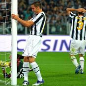 Juventus-Milan Ac, poteau