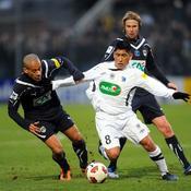 Diego Gomez face à Wendel et Jaroslav Plasil