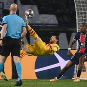 Messi l'acrobate dans ses oeuvres