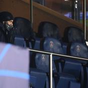 Neymar impuissant dans les tribunes