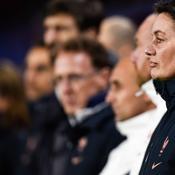 Corinne Diacre et le staff de l'équipe de France féminine