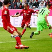 Avec Ribéry buteur, le Bayern s'offre Hanovre et met la pression sur Dortmund