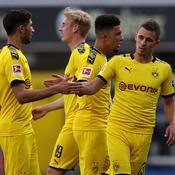 Bousculé une mi-temps, Dortmund finit par faire exploser la lanterne rouge