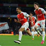 Sanchez voit double, Arsenal remonte sur le podium