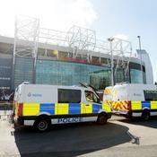 C'est une fausse bombe pour chiens policiers qui a entraîné l'évacuation d'Old Trafford