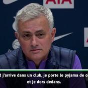 Mourinho tente de séduire : «Je porte le pyjama de mon club et je dors avec»