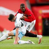 Manchester United cale encore et reste sous pression