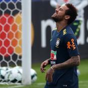 Brésil : Neymar capitaine déchu, le brassard pour Dani Alves