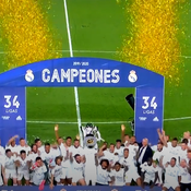 Quand le Real Madrid reçoit le trophée de la Liga dans un stade vide