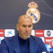 Zidane chaudement salué par ses joueurs suite à l'annonce de son départ