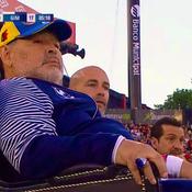 Fêté en légende, Maradona a coaché ... depuis un «trône»