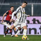 Victorieuse du Genoa, la Juventus Turin reste dans la roue des leaders