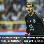 Les fans barcelonais rendent hommage à Casillas, victime d'un malaise cardiaque