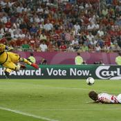 Casillas repousse tête de Rakitic