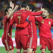 L'Espagne dans la douleur, l'Angleterre en balade