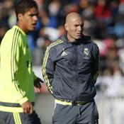 Pour Zidane, Varane en a «au moins pour deux ou trois semaines»