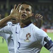 Ronaldo porte le Portugal, l'Allemagne cartonne