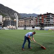 La pelouse synthétique d'Andorre, le mini-cauchemar des Bleus