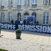 Des supporters girondins manifestent contre la direction du club au Haillan