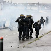 Incidents à Nantes entre supporters opposés au président du club et CRS