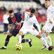 Neymar face à Alvaro Gonzalez