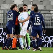 Réduit à neuf, l'OM tient le choc à Bordeaux