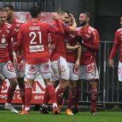 Brest remonte, Nantes continue de piétiner