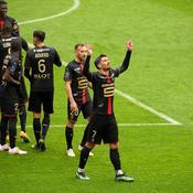 Rennes enfonce Nantes et reste au contact