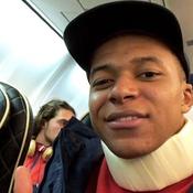 Mbappé rassurant après son choc violent à Lyon : «Je vais bien»
