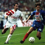 Youri Djorkaeff (Monaco) face à Daniel Bravo (PSG) en 1994