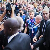 Du Bourget au Parc, les six temps forts de la journée de Neymar