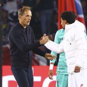 Thomas Tuchel félicite Marquinhos après la victoire contre le Real (3-0)