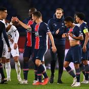 Thomas Tuchel et ses joueurs face à Rennes