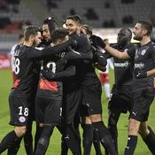 Reims assure le minimum, Nîmes rebondit