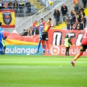 Lens défait Auxerre et se hisse au pied du podium