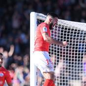 Nîmes creuse l'écart, le Paris FC craque encore